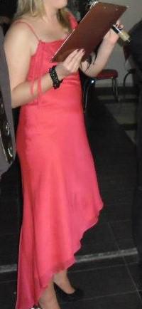 Asymetrické spoločenské šaty 5a8a3da8871