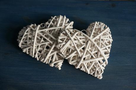 Tři proutěná srdce,