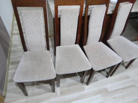 4 kuchynské stoličky,