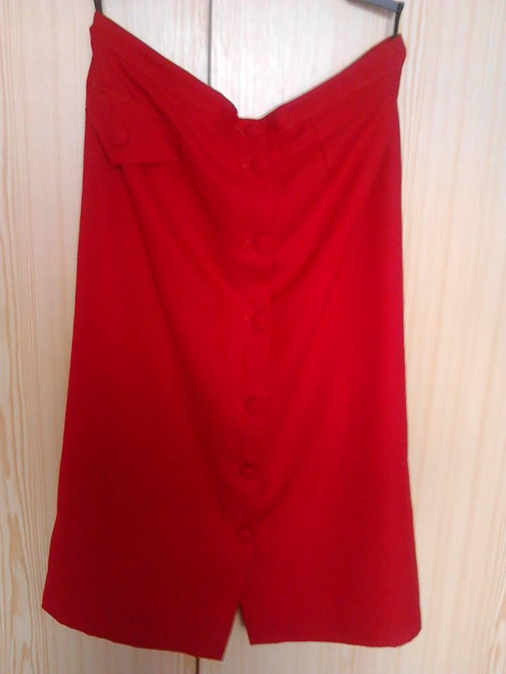 4de1c1de7382 Červená sukňa pre moletku