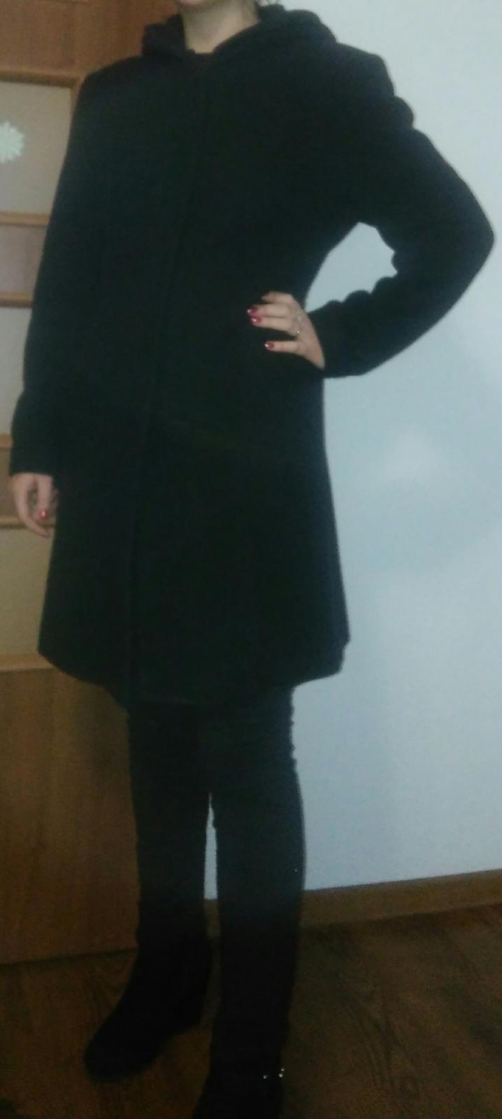 a89f6c8f6468 Dámsky čierny kabát