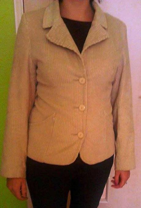 Béžové sako, 40