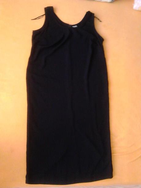Dámske čierne šaty, 50