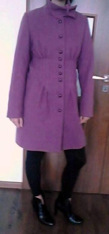 Fialový kabát, 40