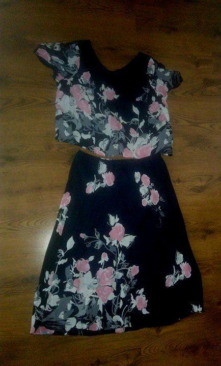 ccd5186aef2d Tmavomodrý kostým   šaty