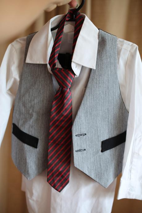 Chlapecký společenský oblek, 98