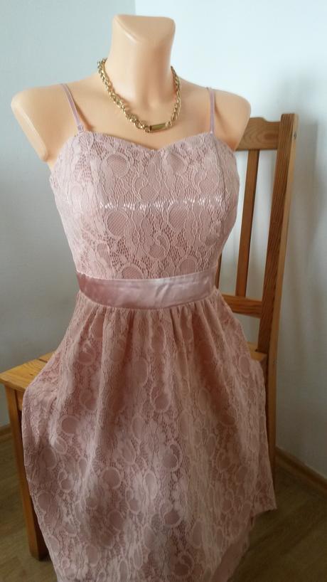Krajkové šaty - nenosene, 38