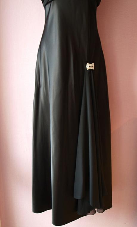 čierne šaty veľkosť 40/42, 42