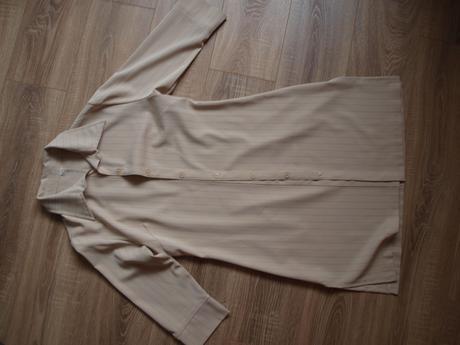 Nohavicovy kostým, 42