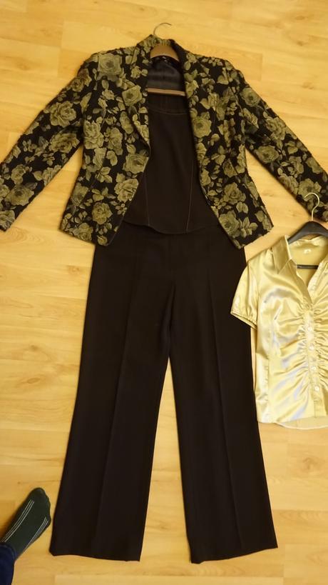 Hnedý nohavicový kostým -3 kombinácia, 40