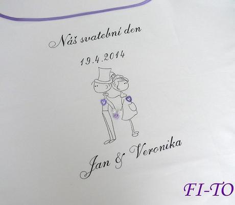 Bryndák pro novomanžele postavičky,
