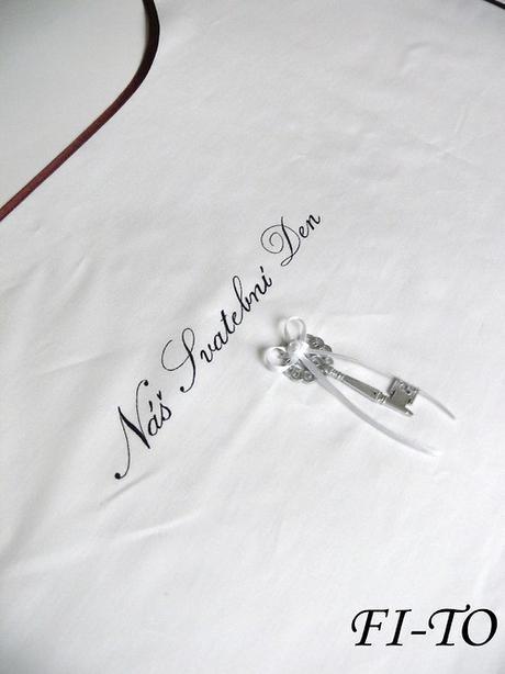 Bryndák pro novomanžele s klíčem,