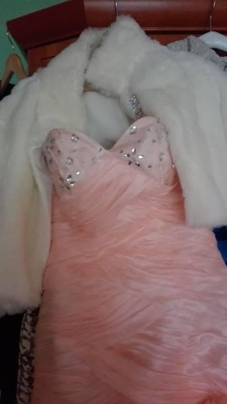 spoločenské šaty lososovej farby veľ, 38
