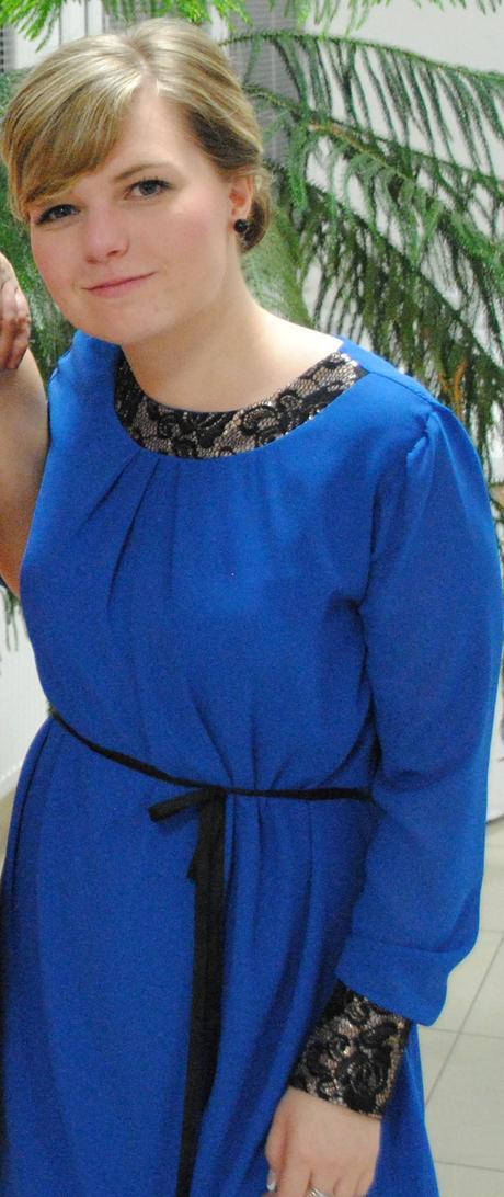 Modré šaty, 37