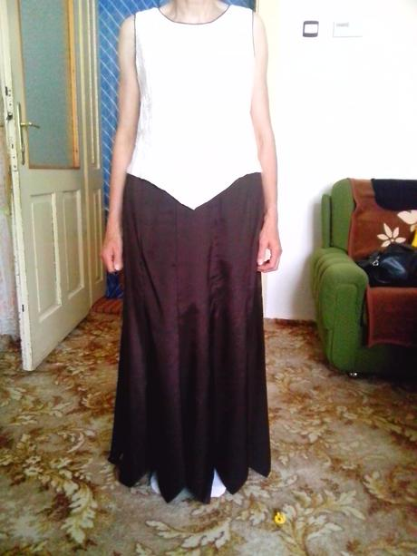 Dámsky kostým, 42