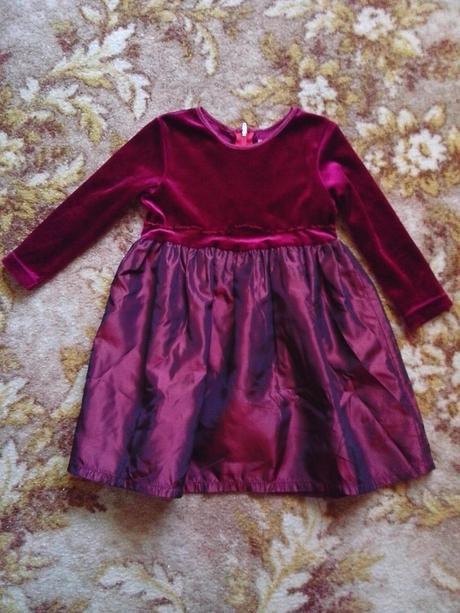 Spoločenské šaty , 92