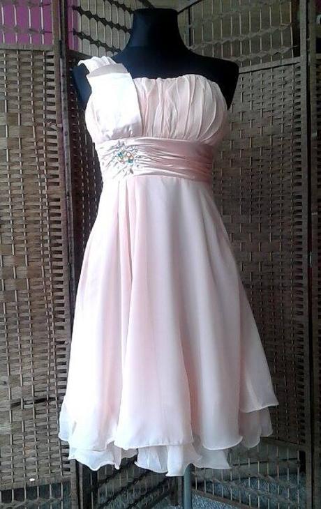 3db7f722db05 Krátke spoločenské šaty marhuľové- 34 -36-38