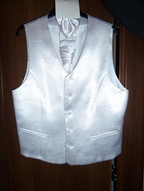 Biela svadobná vesta, 50