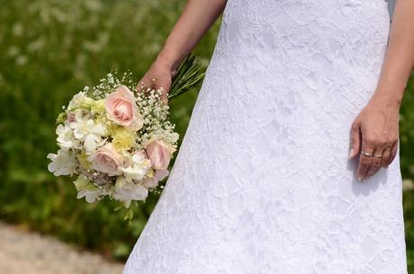 Čipkové svadobné šaty, vyhodna cena, 38