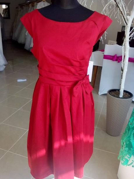 Spoločenské vintage šaty, 44