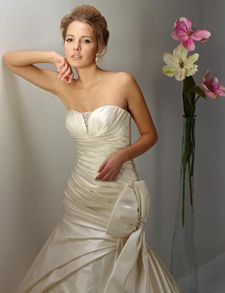 Svadobné šaty Diane Legrand model 13436, 40
