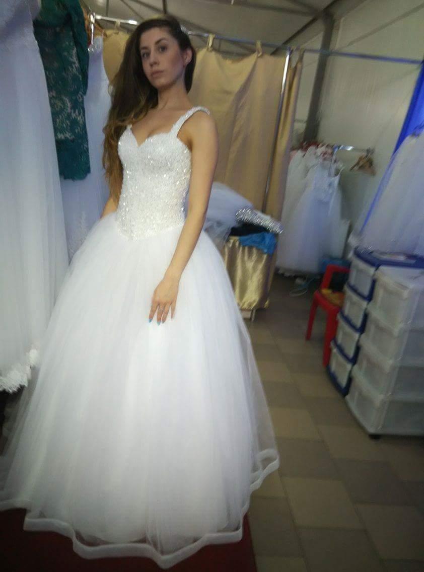 32168cc38ab0 Pekné svadobné šaty