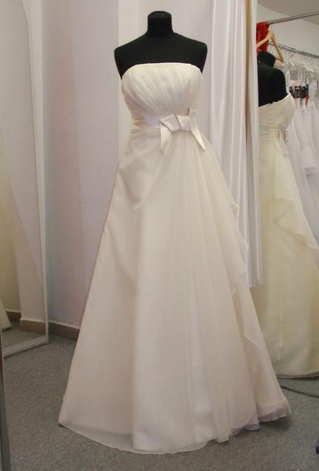 Svatební šaty smetanové, 38