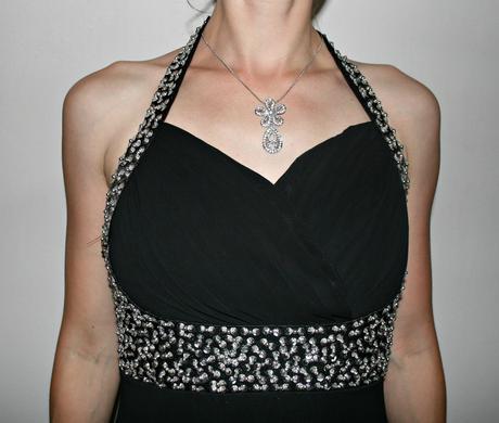 Černé dlouhé společenské šaty s korálky vel 38, 38