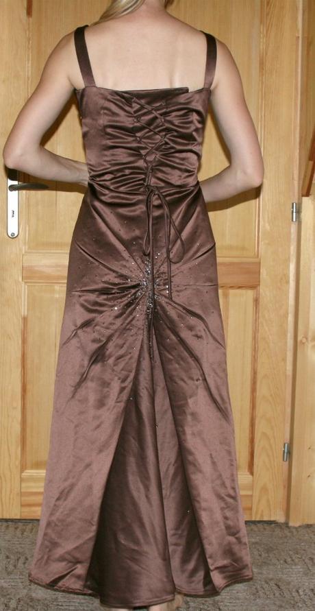 Dlouhé hnědé společenské šaty vel 38, 38