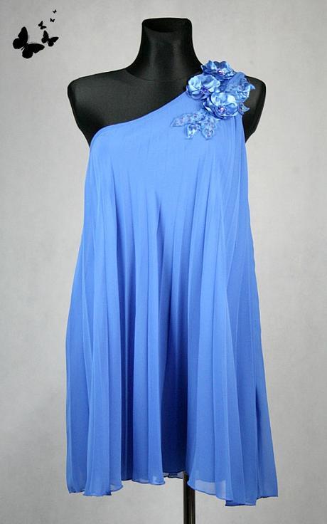 Modré slavnostní šaty s kytičkami na rameni, 40