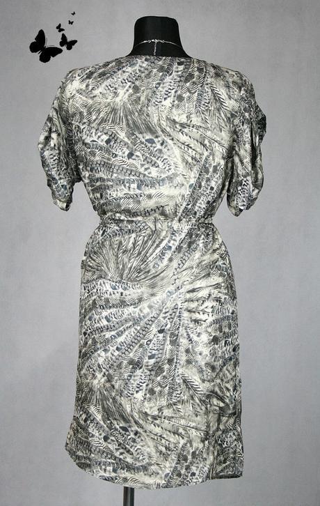 přizpůsobivé saténkové šaty vel 46 - 48, 46