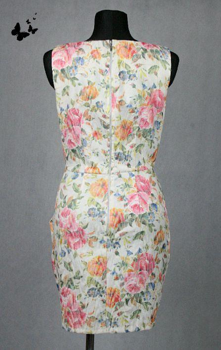 Světlé květované šaty s kapsičkami vel 42-44, 42