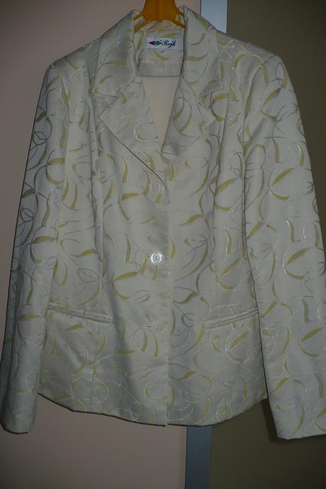 Béžovozlatý nohavicový kostým, 42