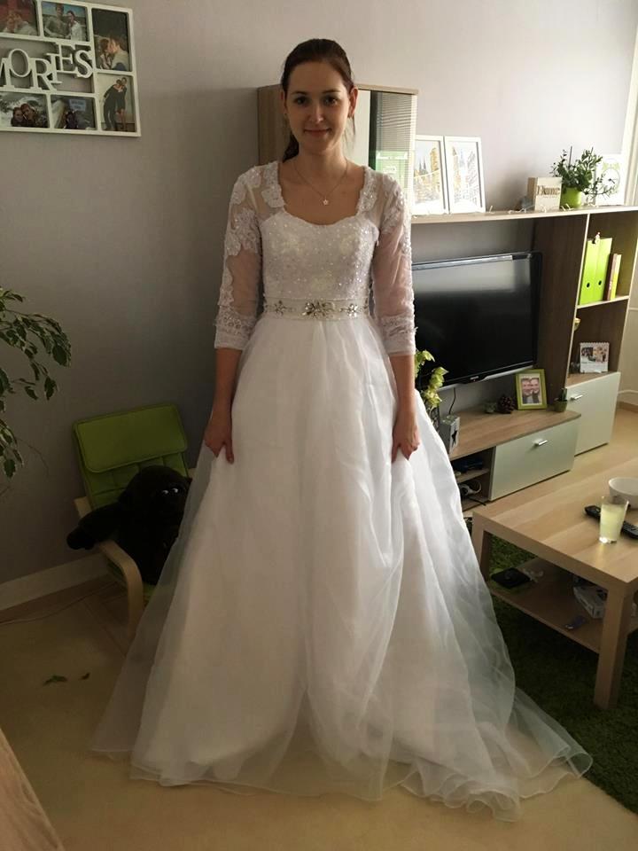 Princeznovske Svatebni Saty S Vleckou 36 6 500 Kc Svatebni