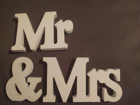 Dřevěná písmena Mr & Mrs,
