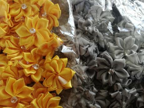 Látkové květiny, srdíčka,