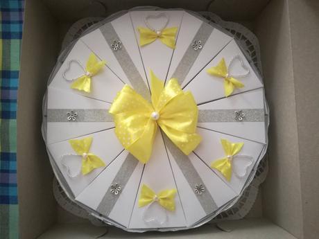 """Speciální """"dortová"""" krabička na svatební dary,"""