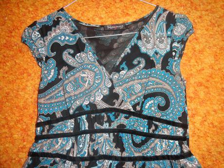 Asymetrické šaty, 38