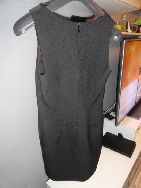 Malé čierne šaty S-M, M