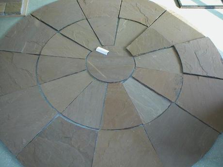 Výpredaj ručne vytvarovaný kruh z kameňa,