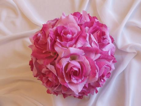 Kvetinová guľa z ruží - fialková,