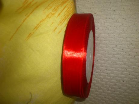 Saténová stuha stužka červená,