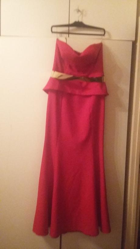 Spoločenské šaty , 40
