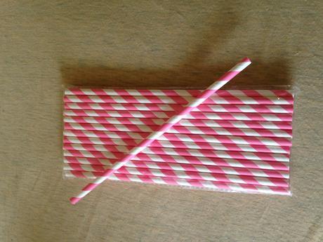Růžovobílá brčka 25 ks,