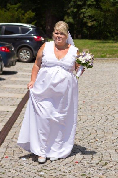 Svatební šaty levně 2500 kč 946c47fbae