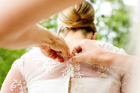 Krajkové svadobné šaty šité podľa Pronovias , 38