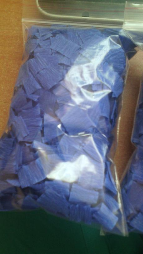 Konfety z krepového papiera,