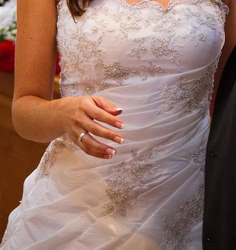 svatební šaty s vlečkou 36-42, 36