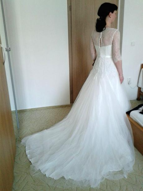 Tylové svatební šaty , 40