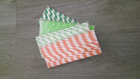 Papírová brčka,